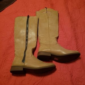 Forever 21 zip up Sand color Boots green zip
